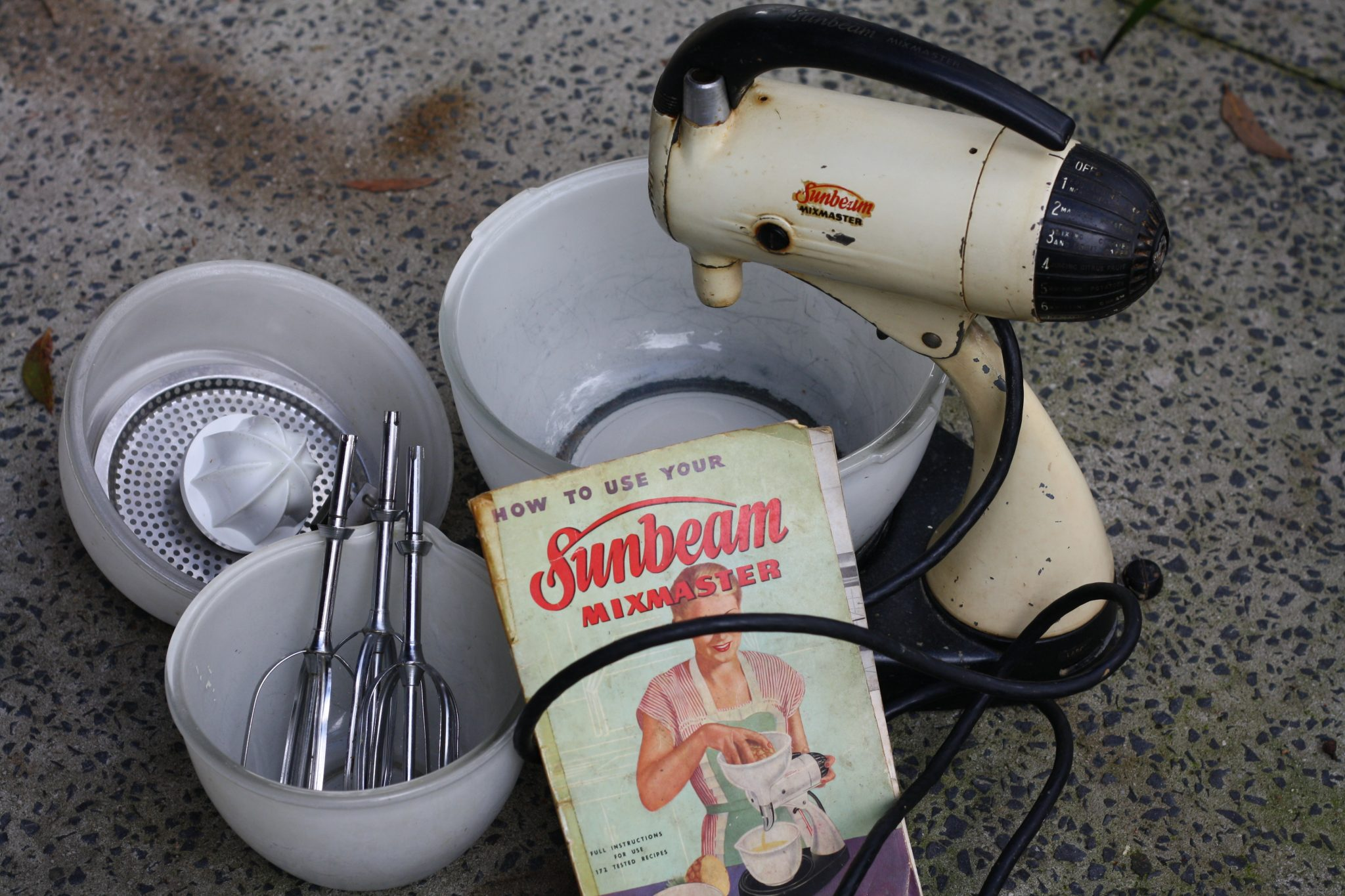vintage sunbeam mixmaster french for tuesdayvintage sunbeam mixmaster