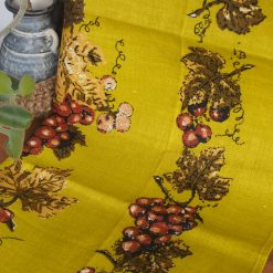 Vintage Tea Towel: Bunches of Grapes